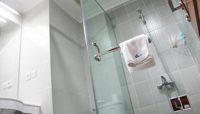 Hotel Dermaga Keluarga Yogyakarta - Kamar mandi