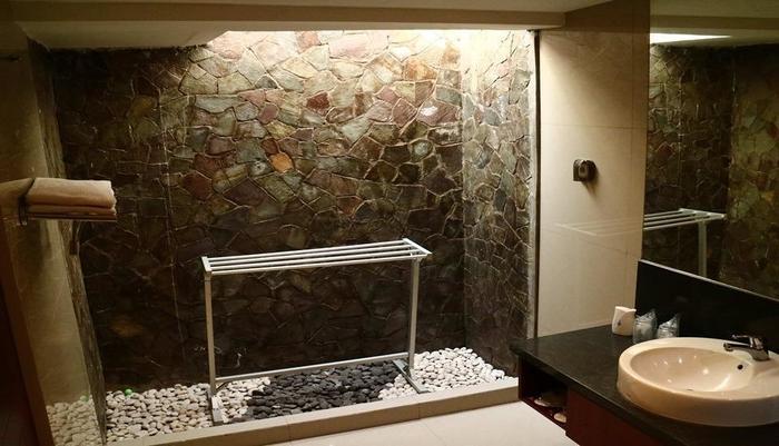 Watu Dodol Hotel Banyuwangi - Bathroom