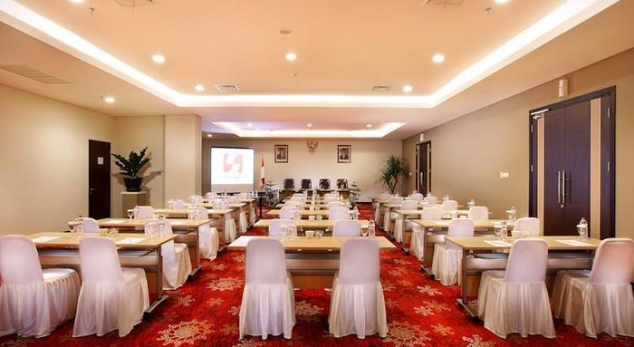 Swiss-Belinn Malang - Meeting1