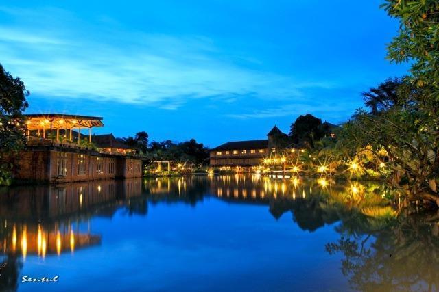 Desa Gumati Hotel Bogor - Night View