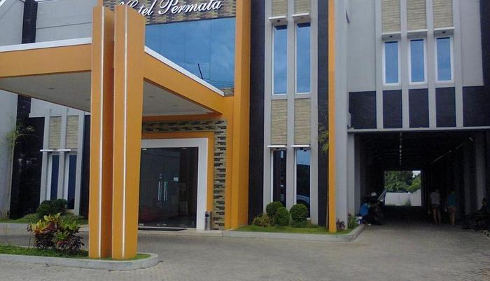 Hotel Permata Purwakarta - Exterior