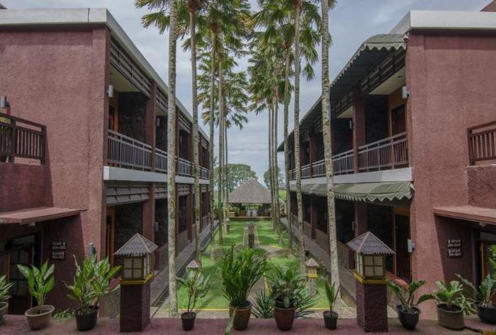Rollaas Hotel and Resort Malang - Garden
