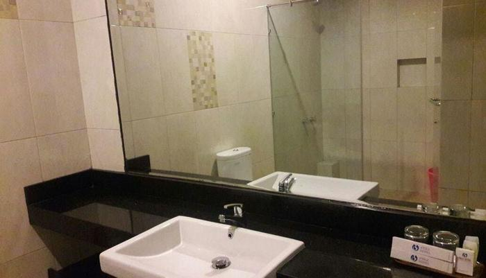 d'BILZ Hotel Pangandaran - Bathroom