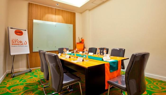 HARRIS Hotel and Conventions Denpasar Bali - Meeting room