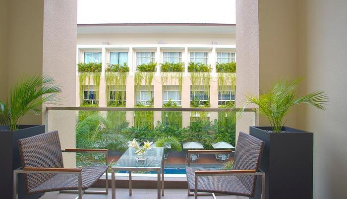 Eastparc Hotel Yogyakarta Yogyakarta - Balcony