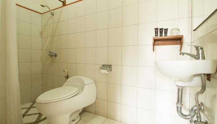 RedDoorz @Setrasari Bandung - Kamar mandi