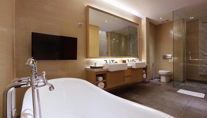 Ossotel Legian Bali - Kamar mandi Suite