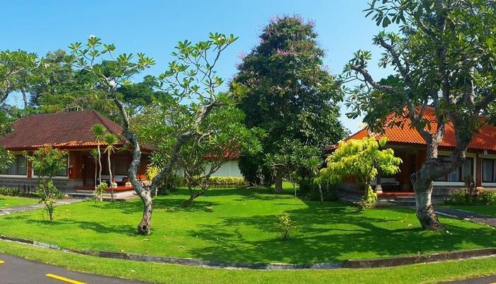 Inna Bali Beach Resort Bali - Pemandangan Taman