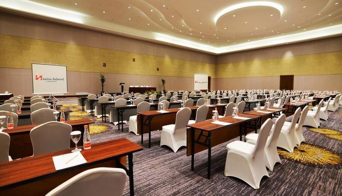 Swiss-Belhotel Cirebon - Ballroom
