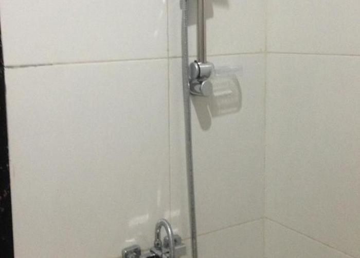Cempaka Mas Hotel Jombang - Kamar mandi