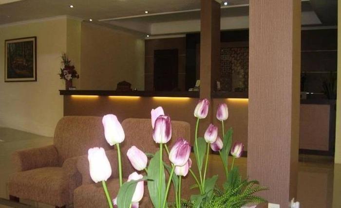 Hotel Griya Dharma Kusuma Bojonegoro - Lobi