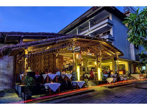 Maharani Beach Hotel Bali - Restoran Sandbar