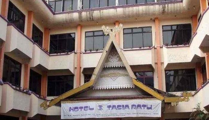 Hotel Tasia Ratu Pekanbaru - Tampilan Luar Hotel