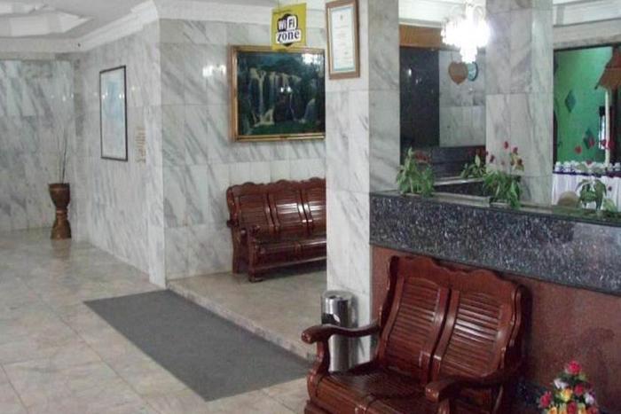 Hotel Tasia Ratu Pekanbaru - Ruang Tamu