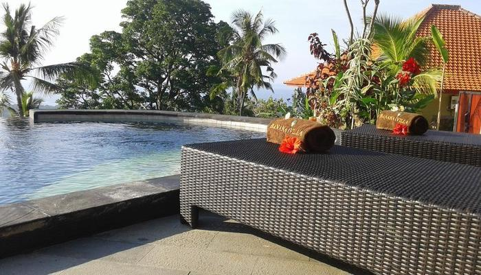 Banana Villa Retreat Bali - pool deck