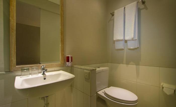 bnb Style Hotel Seminyak - Kamar mandi