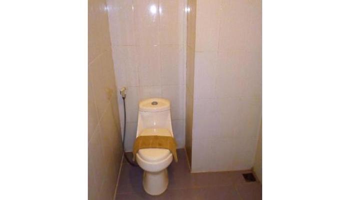 Anggraeni Hotel Jatibarang Brebes - Bathroom