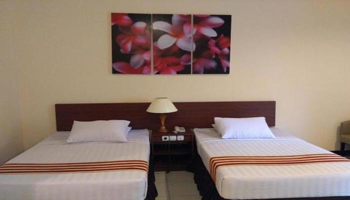Anggraeni Hotel Jatibarang Brebes - Room