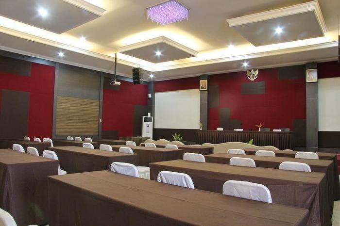 Novilla Boutique Resort Bangka - meeting room