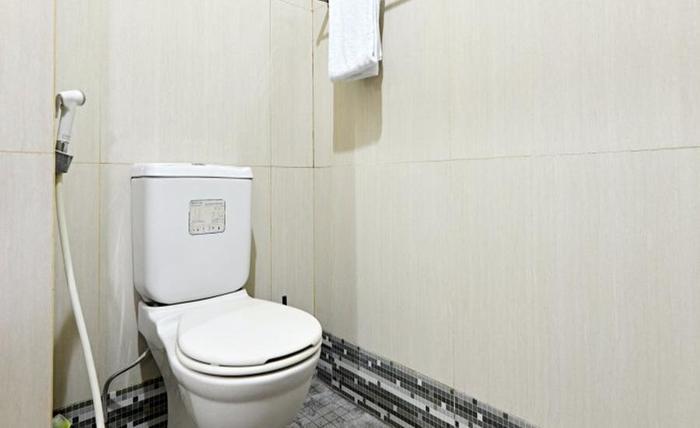 ZenRooms Cipete Utara Jakarta - Kamar mandi