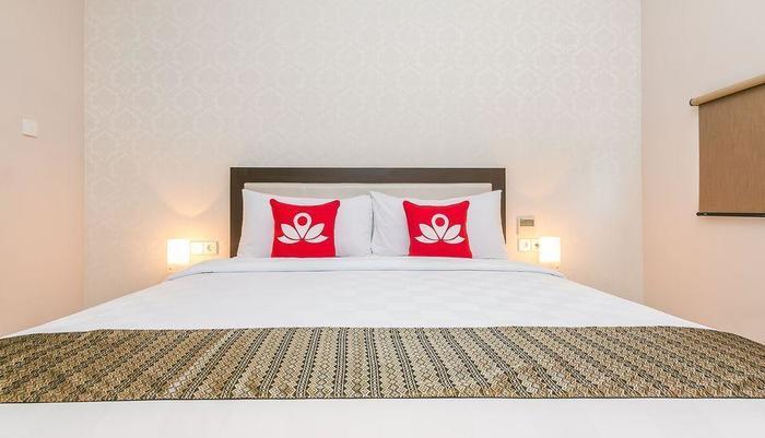 ZenRooms Sriwijaya Legian Kuta Bali - Tampak tempat tidur double
