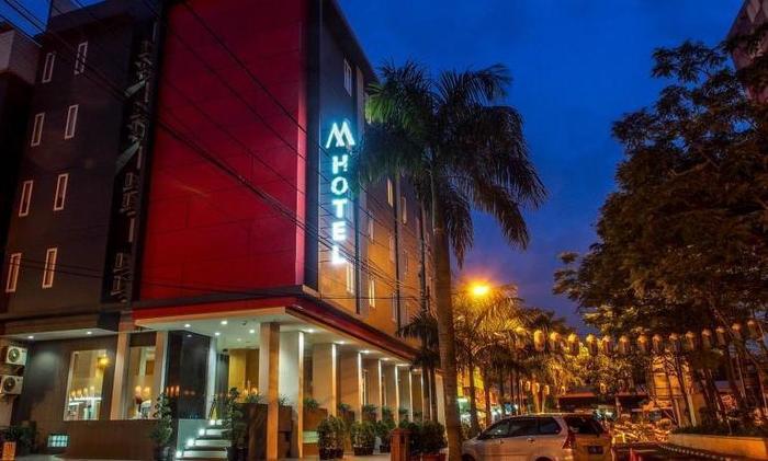 M Hotel  Jakarta - Hotel Building
