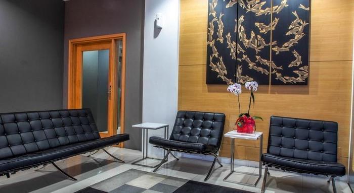 M Hotel  Jakarta - Lobby