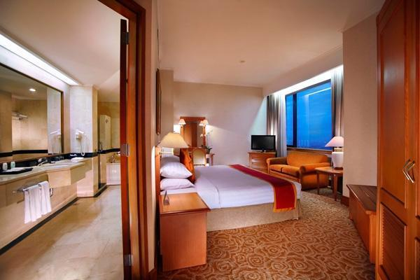 Hotel Menara Peninsula Jakarta - Junior Suite