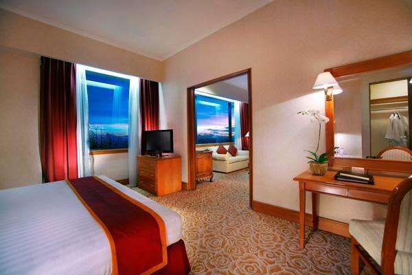 Hotel Menara Peninsula Jakarta - Suite Room