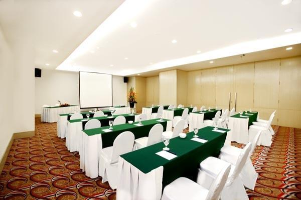 Hotel Menara Peninsula Jakarta - Jasmine Room