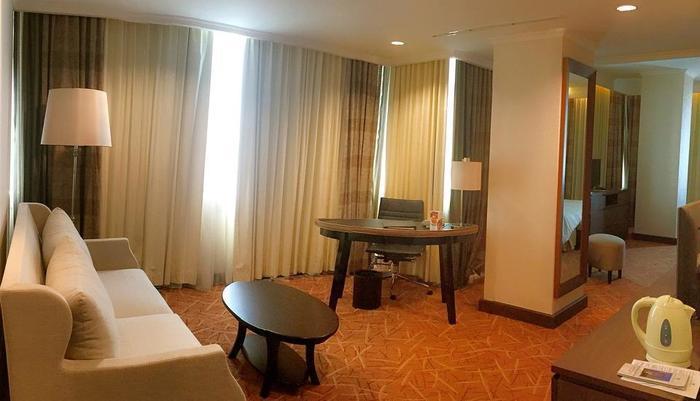 Hotel Menara Peninsula Jakarta - Executive Club Studio