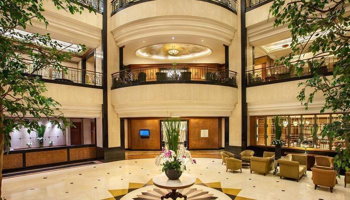 Hotel Menara Peninsula Jakarta - LOBBY