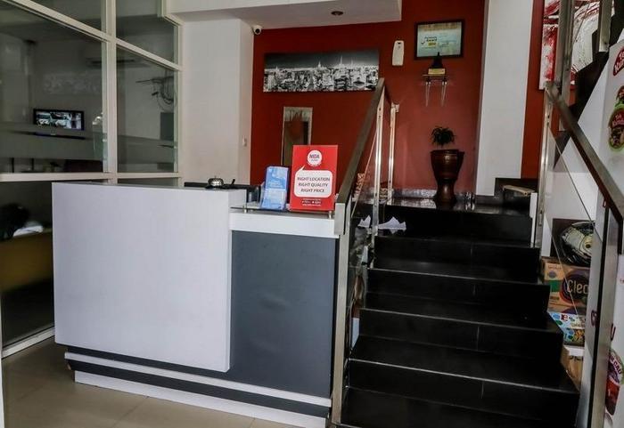 NIDA Rooms Semarang Amarta Raya - Resepsionis