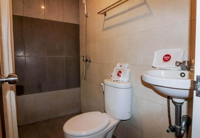 NIDA Rooms Semarang Amarta Raya - Kamar mandi