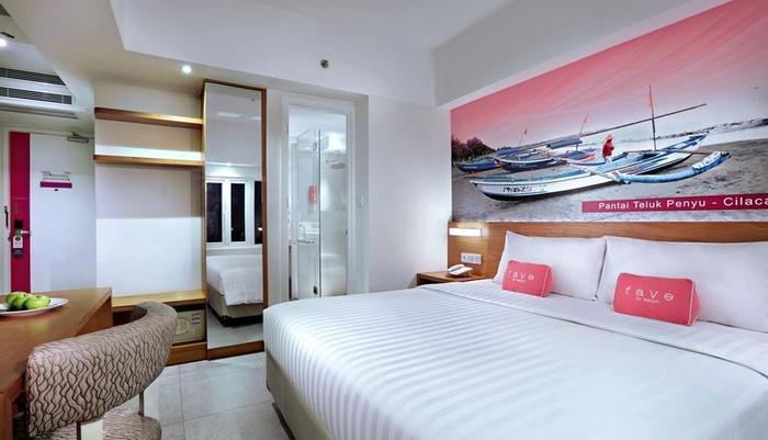 favehotel Cilacap - Suite Room