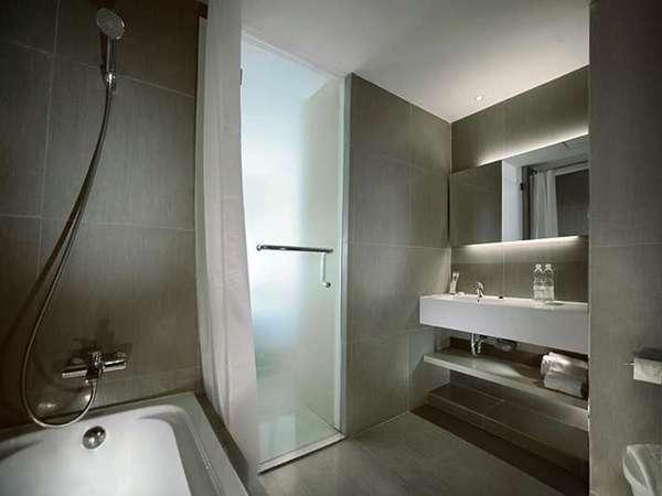 Zuri Express Lippo CIkarang - Kamar mandi