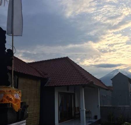 The Shooting Star Homestay Bali - Matahari terbenam di Shooting Star Homestay