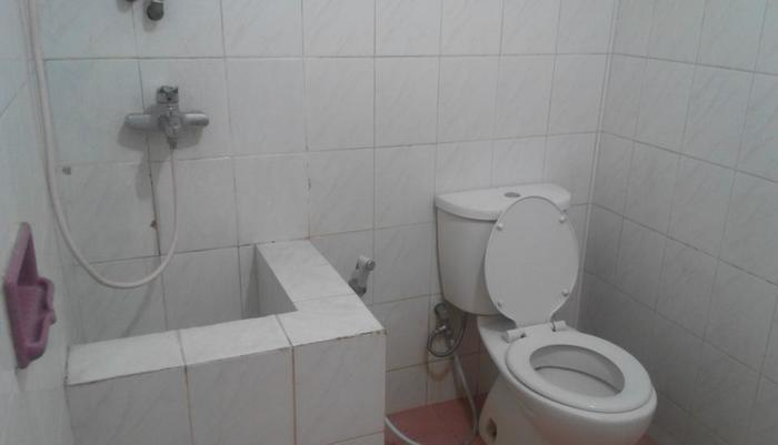 Hotel Malang Malang - Fasilitas Kamar Mandi Standard