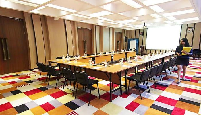 THE 101  Dago - Aira Meeting Room
