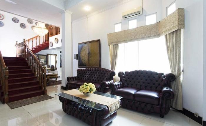 RedDoorz Cibubur Jakarta - Interior