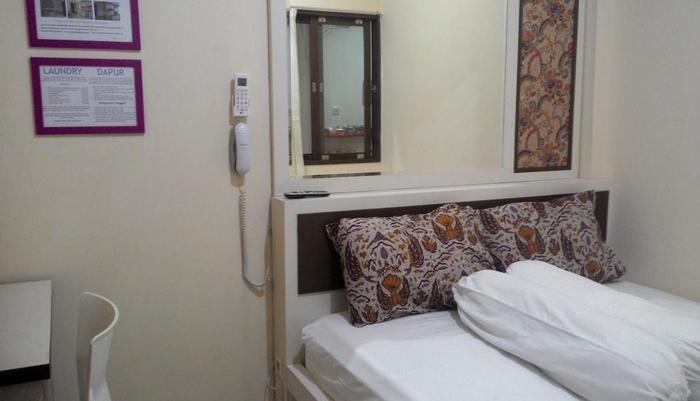 Kantos Guest House Jakarta - Kamar tipe standar dengan 1 double bed.