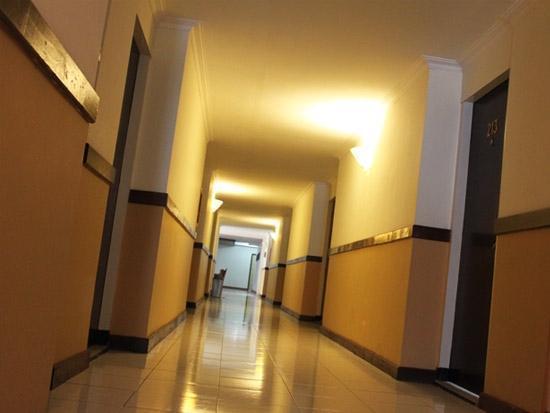 Gadjah Mada University Club Hotel Yogyakarta - Koridor