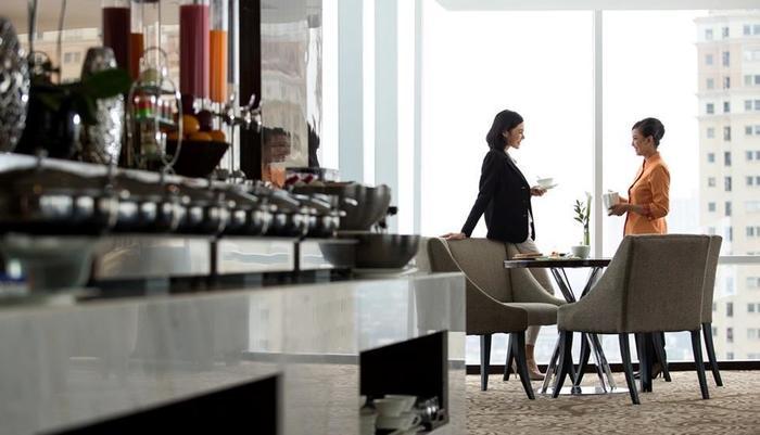 Hotel Santika Premiere Hayam Wuruk - Club Premiere Lounge