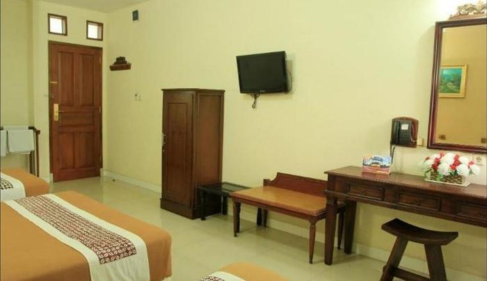 Hotel Mataram 2 Yogyakarta - Big Family Room