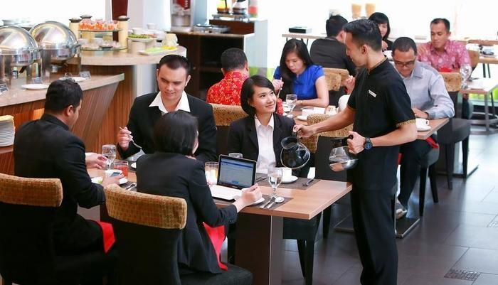 Grand Zuri Palembang - Restoran Cerenti
