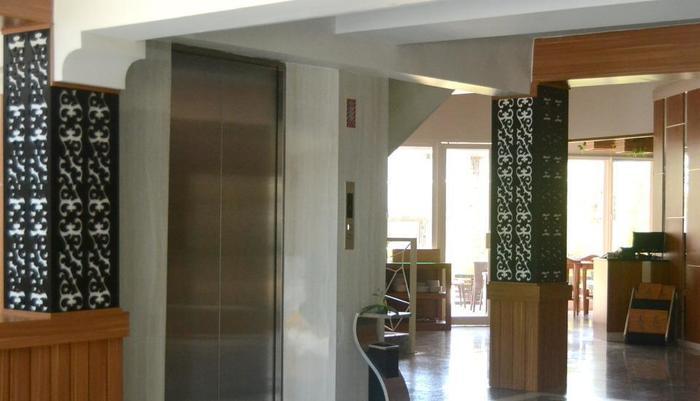 Hotel Fovere Bandara Semarang Semarang - corridor lobby