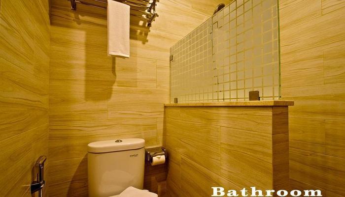 Green Batara Hotel Bandung - Bathroom