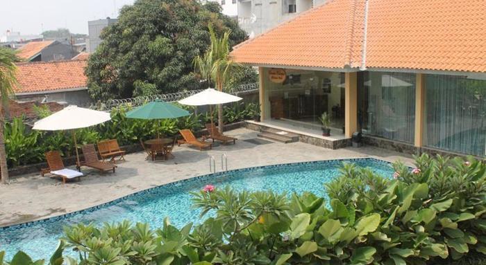 Hotel Narita  Tangerang - SWIMMING POOL