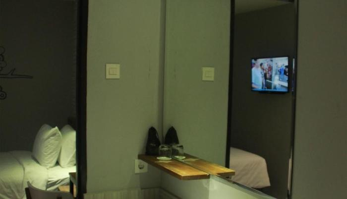Nite & Day Surabaya - Kedungdoro Surabaya - bath room