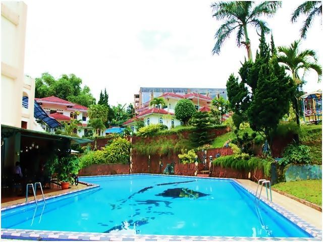 Grand Prioritas Hotel Bogor - Swimming Pool